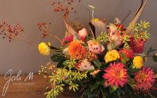 Jolies couleurs d'automne pour ce bouquet d'anniversaire. Livraison de fleurs Toulouse ©Gali M