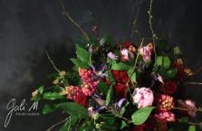 Roses rouges, jacinthes, pivoines et clématites pour la Saint-Valentin ©Gali M Livraison de fleurs sur Toulouse