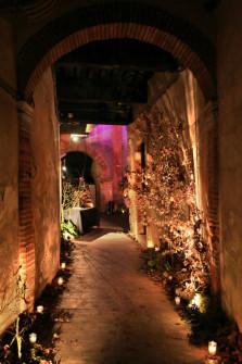 Décoration d'un porche pour une soirée autour de la truffe. ©Bullit visual agency