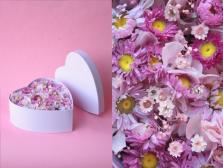 Cœur en fleurs séchées spécial fête des mères. Sur commande au 06 78 95 15 89
